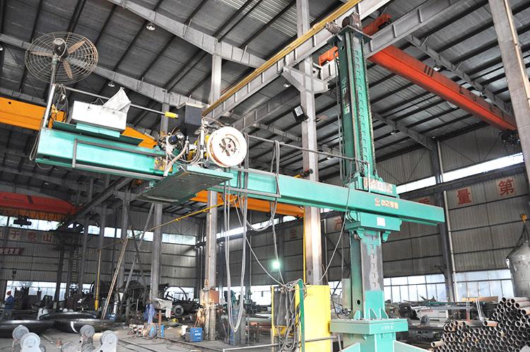 大型自动直缝焊机